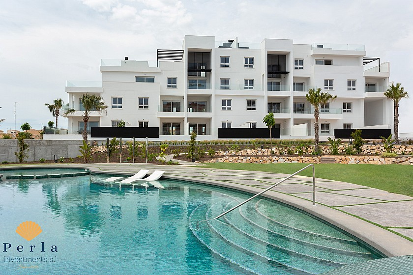 Stunning new apartment with garden in Punta Prima