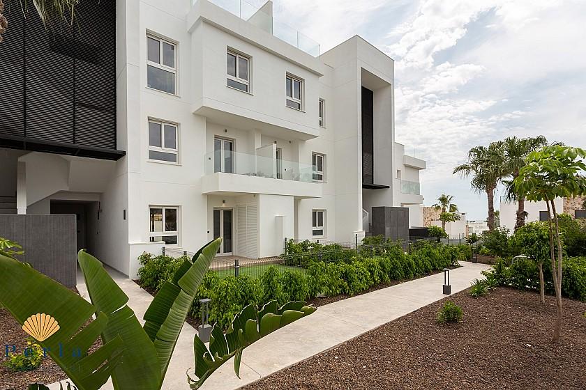 Nuevo apartamento de 3 habitaciones en Punta Prima