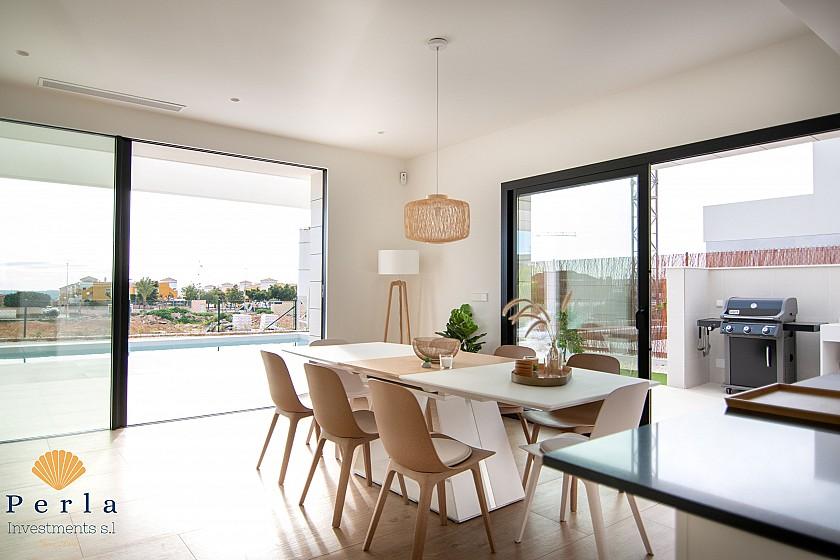 Gran Chalet de alta gama en Los Montesinos - Perla Investments