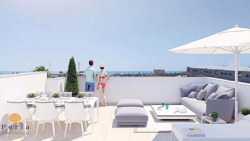 Glæsileg 3 herbergja íbúð með þaksvölum í einstöku íbúðahverfi í Playa Flamenca - Perla Investments